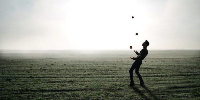 juggler 1216853 1280 e1574087144444