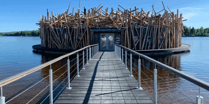 Arctic Bath flytande på Luleälv
